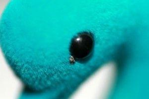 Detalle del ojo del cisne junto al mechero